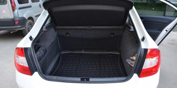 Вместительный багажник у Рапида